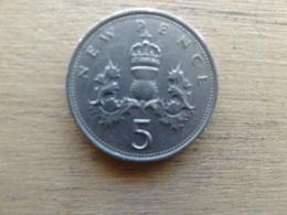 Grande-bretagne  5 New Pence  1971  Km 911 - 1971-… : Monnaies Décimales