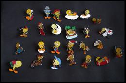 Lot De 25 Pins TITI - Warner Bros - Comics
