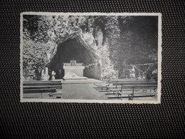 Chapelle - Saint - Laurent (Piétrebais)  :  La Grotte - Incourt