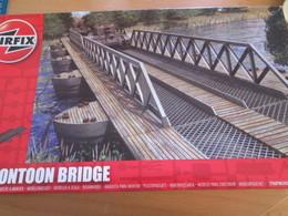 Vau Au Moins 11 € En Boutique !!! AIRFIX PONTOON BRIDGE 1/72e 1/76 KIT COMPLET AVEC NOTICE - Scenery, Diorama