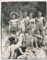REAL PHOTO Ancienne Beach Group Trunks Men Swimsuit Women Boys Hommes Femmes Et Enfants Sur Plage  Old Orig - Photos