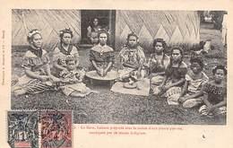 Océanie.  Nouvelle Calédonie . Groupe De Femmes Préparant Le Kava.Racine De Plante Mastiquée   (voir Scan) - New Caledonia