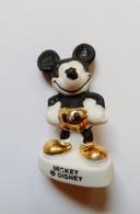 Fève Disney Mickey Mat Et Or - Disney