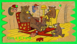 HUMOUR, COMICS - LA FAMILLE OURS PREND LA PLACE DES CHASSEURS - CARTE EN BOIS DE DIMENSION  13 X 23 Cm - - Humour