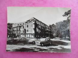 CPA 29 LOCQUIREC HOTEL DES BAINS VOITURES ANCIENNES 2 CV DS .. - Locquirec