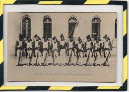 LES FANTASSINS DE LA PREMIERE REPUBLIQUE. NON CIRCULEE. EXCELLENT ETAT - Uniforms