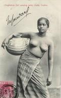 Ceylon, Nude Singhalese Woman Carrying Water Chatty, Topless (1909) Postcard - Sri Lanka (Ceylon)
