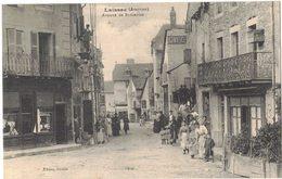 LAISSAC Aveyron : Avenue De St Geniez - France