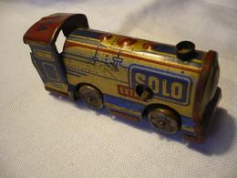 Blechspielzeug - Lokomotive - Schlüsselwerk (635) - Toy Memorabilia