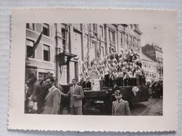 Namur, Cavalcade. 1948. Les Grenadiers. 10x7 Cm - Lieux