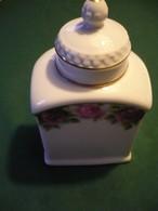 Porzellan-Tee-Dose Mit Rosendecor Und Goldrand  (639) - Porzellan & Keramik