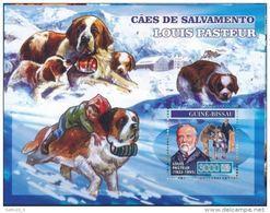 Guinée Bissau 2007 Louis PASTEUR Dogs Chiens De Sauvetage - Louis Pasteur