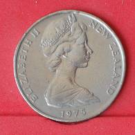 NEW ZEALAND 50 CENTS 1975 -    KM# 37,1 - (Nº25056) - New Zealand
