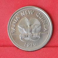 PAPUA NEW GUINEA 10 TOEA 1976 -    KM# 4 - (Nº25066) - Papouasie-Nouvelle-Guinée