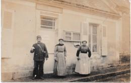 CPA ANIMEE  BUREAU DE POSTE FACTEUR EMPLOYEES P ET T CIRCA 1905 - Postal Services