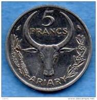 T1/  MADAGASCAR / MALAGASY REP  5 FRANCS 1967 - Madagascar