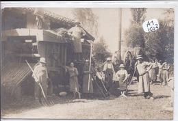 CARTE-PHOTO- BELLE SCENE DE BATTAGE - Cartes Postales