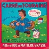 Rare  étiquette Fromage Carré De Touraine Fabriqué à Onzain     Format 10 X 10 Cm - Quesos