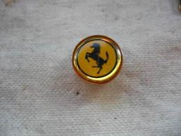 Pin's Petit Embleme Rond De L'embleme FERRARI - Ferrari