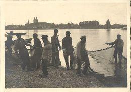 REES, Niederrhein, Fischer Bringen Fischernetz Ein (1930s) AK - Other