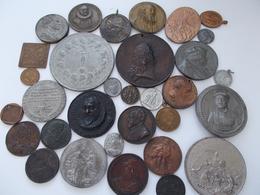 Medaillen Alle Welt: Lot 32 ältere Medaillen, Alle Unbestimmt, Aus Verschiedenen Metallen Und In Ver - Tokens & Medals