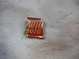 Pin's Embleme De La Revue Auto-Moto - Medias