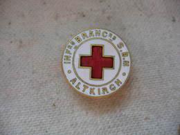Pin's Boutonniere De La Croix Rouge, Infirmiers Brancardiers SBM Altkirch - Medias
