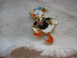 Pin's Arthus Bertrand Pour Disney. DONALD - Comics