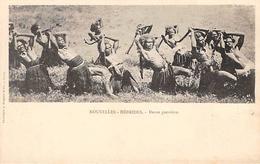 Nouvelles Hébrides     Océanie   :  Danse Guerrière    (voir Scan) - Cartes Postales