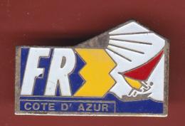 53746-Pin's.FR3 Cote D Azur.planche A Voile..télé.medias. - Medias