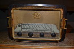 Radio TSF HENRI BRUN Format 46x23x30 Cm Poids 7.5 Kgs Environ - Appareils