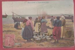 14 - ARROMANCHES----Souvenir---Pécheuses---colorisée - Arromanches