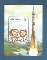VIETNAM - 1986 - BF NUOVO STL DEL VALORE DI 10 D. DEDICATO AL 25° ANNIV. 1° UOMO NELLO SPAZIO - IN OTTIME CONDIZIONI. - Space