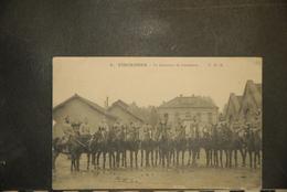 CP, 94, VINCENNES Le Quartier De Cavalerie N°8 Edition TMK - Vincennes