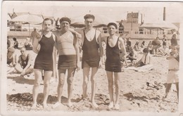 GRUPO DE AMIGOS GROUP D'AMIES GAY PLAYA PLAGE MALLOT SWIMSUIT CIRCA 1925 ESPAÑA SPAIN . - BLEUP - Fotografie