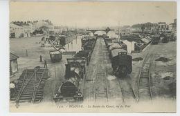 ROANNE - Le Bassin Du Canal ,vu Du Port (train ) - Roanne