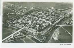 Elburg; Overzicht (Luchtfoto) - Niet Gelopen. (Aerofoto KLM) Lees Info! - Pays-Bas