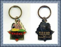 Porte-clés  Blanche KODAK Partenaire EuroDisney :  BLANCHE NEIGE  (1993) - Disney