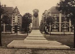 Quiévrain Le Monument Jules Pilot - Quiévrain
