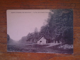 """Saint-étienne-du-rouvray , Le Parc De La Station Sanitaire """""""" Carte Animée Personnage à L'entrée De La Maison """" - Saint Etienne Du Rouvray"""
