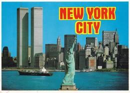 Postcard New York City Twin Towers World Trade Centre Manhattan Skyline Statue Of Liberty My Ref  B23079 - World Trade Center
