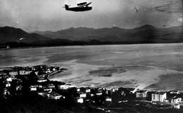 20 - Corse - Ajaccio - Survolé Par Un Avion - Autres Communes
