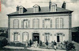 N°3584 A -cpa Saint Julien Le Faucon -la Gendarmerie- - Police - Gendarmerie
