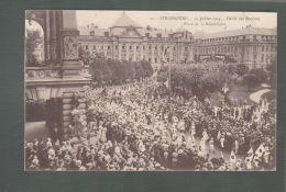CPA (67) Strasbourg  -  14 Juillet 1919 -  Défilé Des Sociétés - Place De La République - Strasbourg