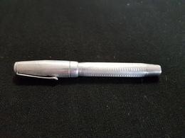 Bureau écriture Stylo Ancien Métal Blanc Couleur Alu Argent Réservoir A Revoir Plume DEMI LUNE WARRANTED BLANZY BOULOGNE - Pens
