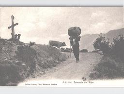 Descente De L'Alpe Homme Portant Lourde Charge, Vache Env. 1906 - Suisse