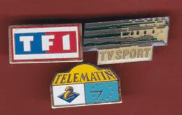 53795-lot De 3  Pin's - Télévision.medias.TF1.tvsport.A2.. - Medias