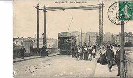 Cpa Brest Sur Le Pont. Tram . Animée Circulée - Brest
