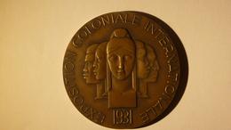 Art Déco: Médaille En Bronze De L'Exposition Coloniale Internationale De 1931, Graveur Raoul Bénard - Professionals / Firms