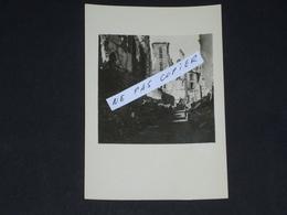 Authentique Photo Amateur Du Bombardement De Saint Malo En Août 1944. - Saint Malo